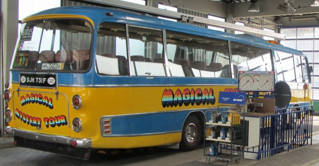 kfz mechaniker gesucht magical mystery tour bus. Black Bedroom Furniture Sets. Home Design Ideas